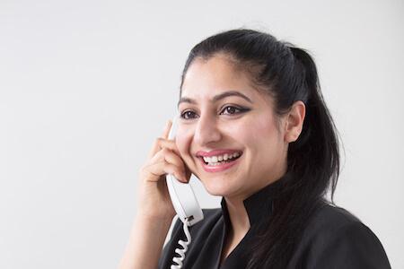 receptionist in beauty salon