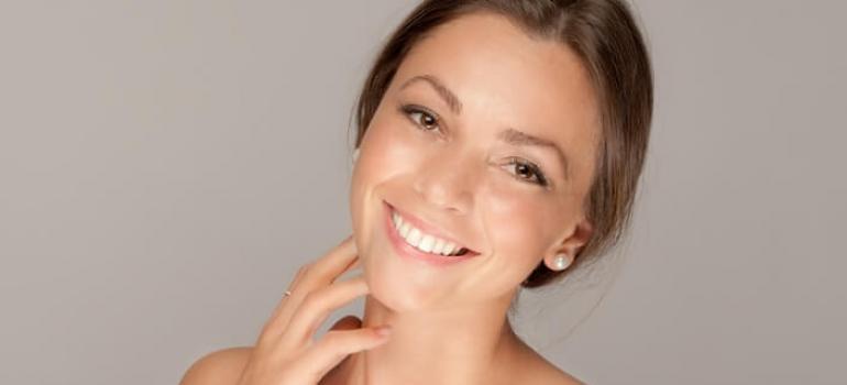 Brunette girl smiling
