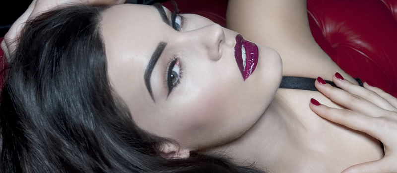 Brunette Lady with HD Brows