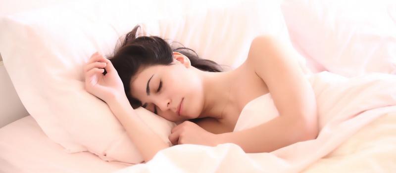 sleeping woamn