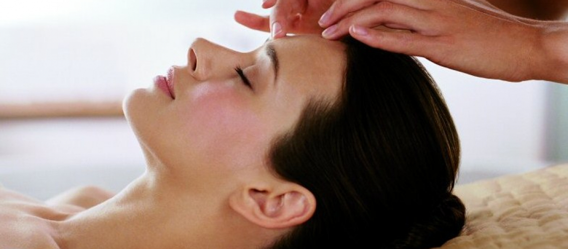 Complimentary Massage with a 60 Minute Facial